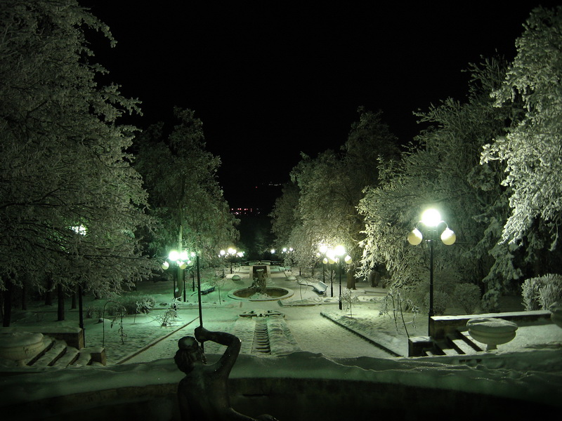 Каскадка зимой ночью