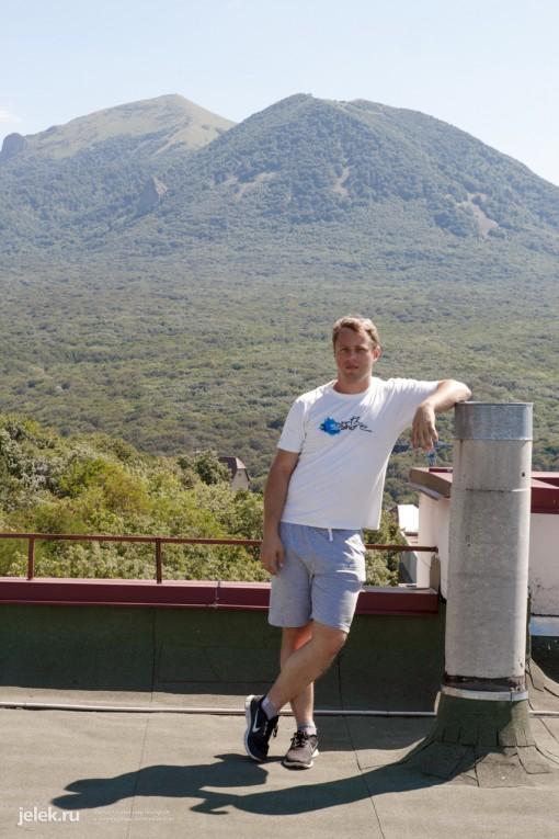 Автор сайта jelek на крыше санатория Горный воздух
