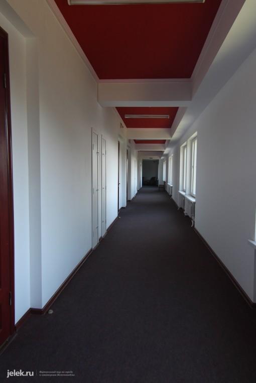 Коридор жилого корпуса санатория Горный воздух