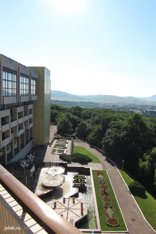 Вид с балкона номера санатория Горный воздух