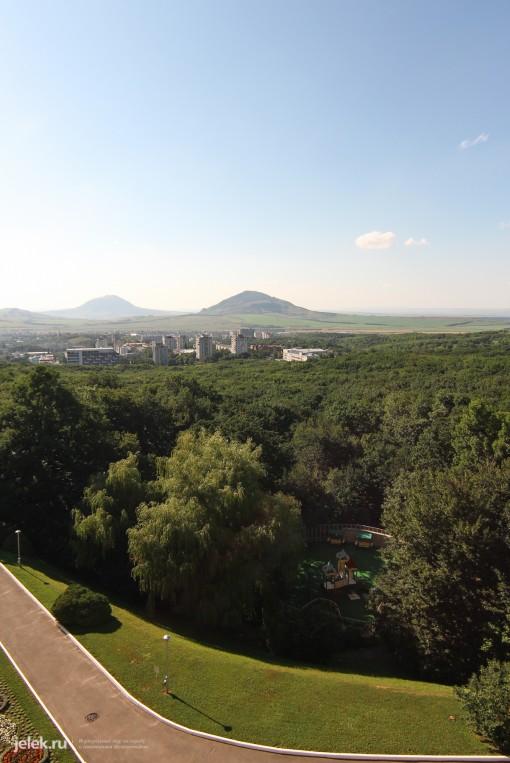 Вид с лоджии санатория Горный воздух