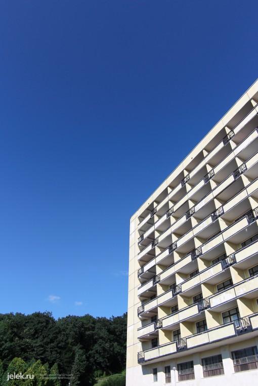 Вид на жилой корпус санатория Горный воздух