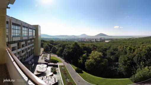 Вид с балкона санатория Горный воздух