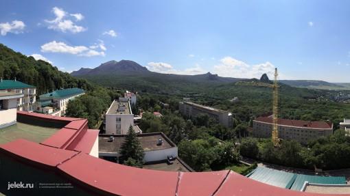 Вид с крыши санатория Горный воздух