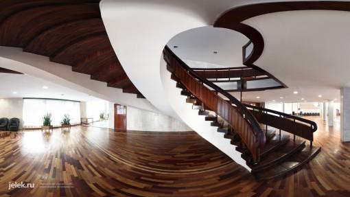 Винтовая лестница санатория горный воздух