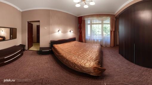 спальня-номера-люкс-санатория-горный-воздух