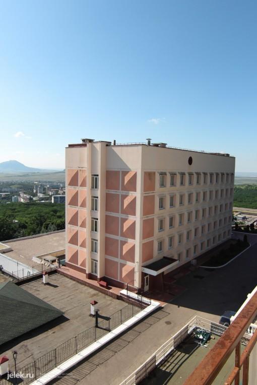Вид на ЛДЦ с балкона корпуса В