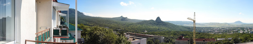 Вид с балкона корпуса «В» санатория горный воздух